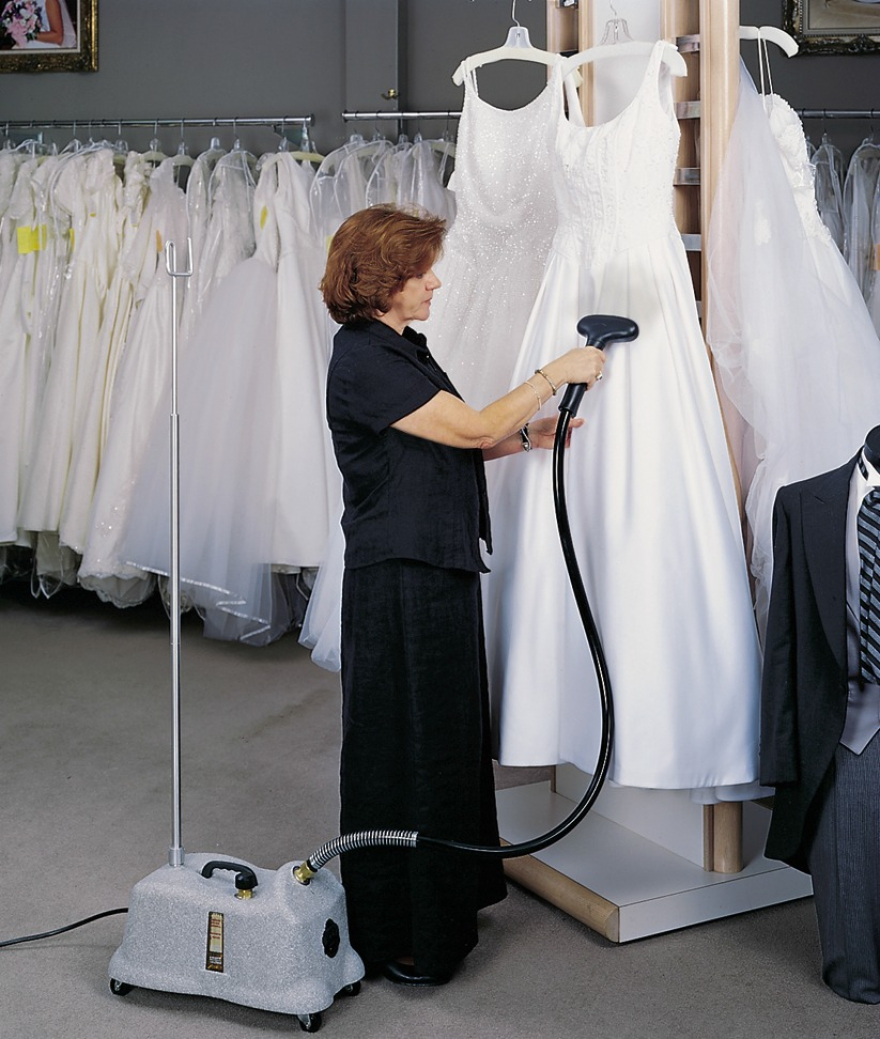 drycleaning your dress before your wedding day
