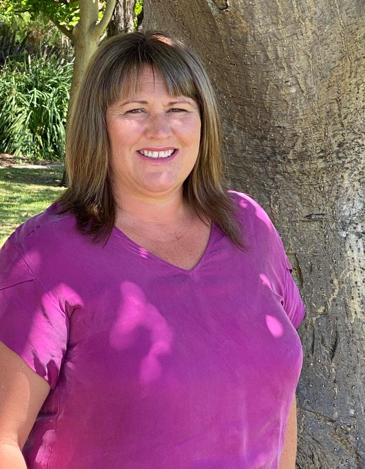 Nicole Liedermoy - Coast to Country Weddings
