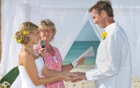 Wedding Talk With Di Moore, Celebrant,